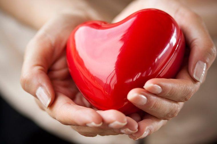 Relacion-entre-la-enfermedad-de-las-encias-y-el-ataque-cardiaco-no-existe